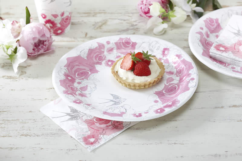 Enchanted Rose Paper Plates | Ginger Ray - GingerRay.co.za